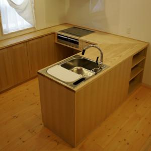オーダーキッチン | 手洗いカウンター | オーダーメイド家具 | 新築家具 | 山形・仙台を中心にオリジナル家具・オーダー家具、インテリアのデザイン・製作・納品をおこなっています。おしゃれ。