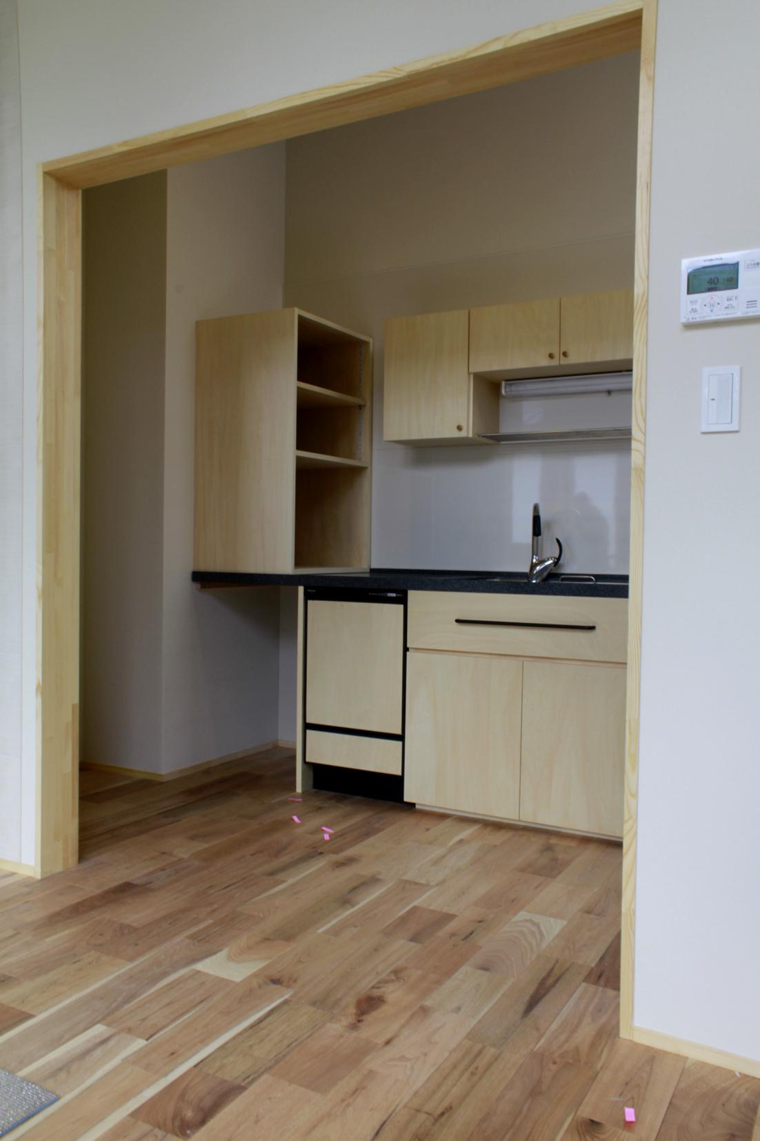オーダーキッチン | システムキッチン | 山形・仙台を中心にオリジナル家具・オーダー家具、インテリアのデザイン・製作・納品をおこなっています。おしゃれ。