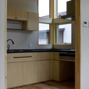 オーダーキッチン | 新築家具 | 手洗いカウンター | 備え付け家具 | 山形・仙台を中心にオリジナル家具・オーダー家具、インテリアのデザイン・製作・納品をおこなっています。おしゃれ。