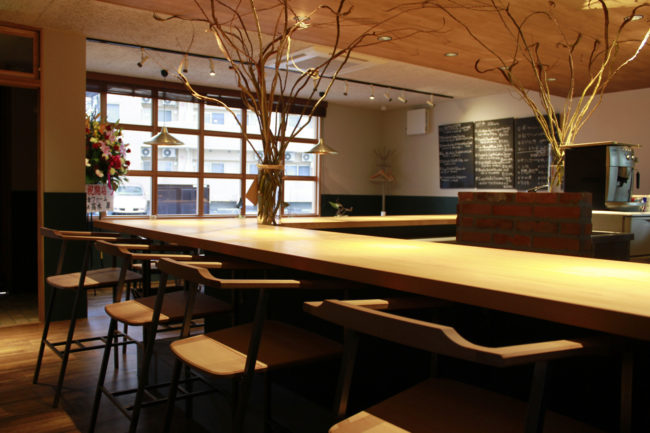 ヴィラッジオ | 店舗内装 | 店舗デザイン | 椅子 | 山形・仙台を中心にオリジナル家具・オーダー家具、インテリアのデザイン・製作・納品をおこなっています。おしゃれ。