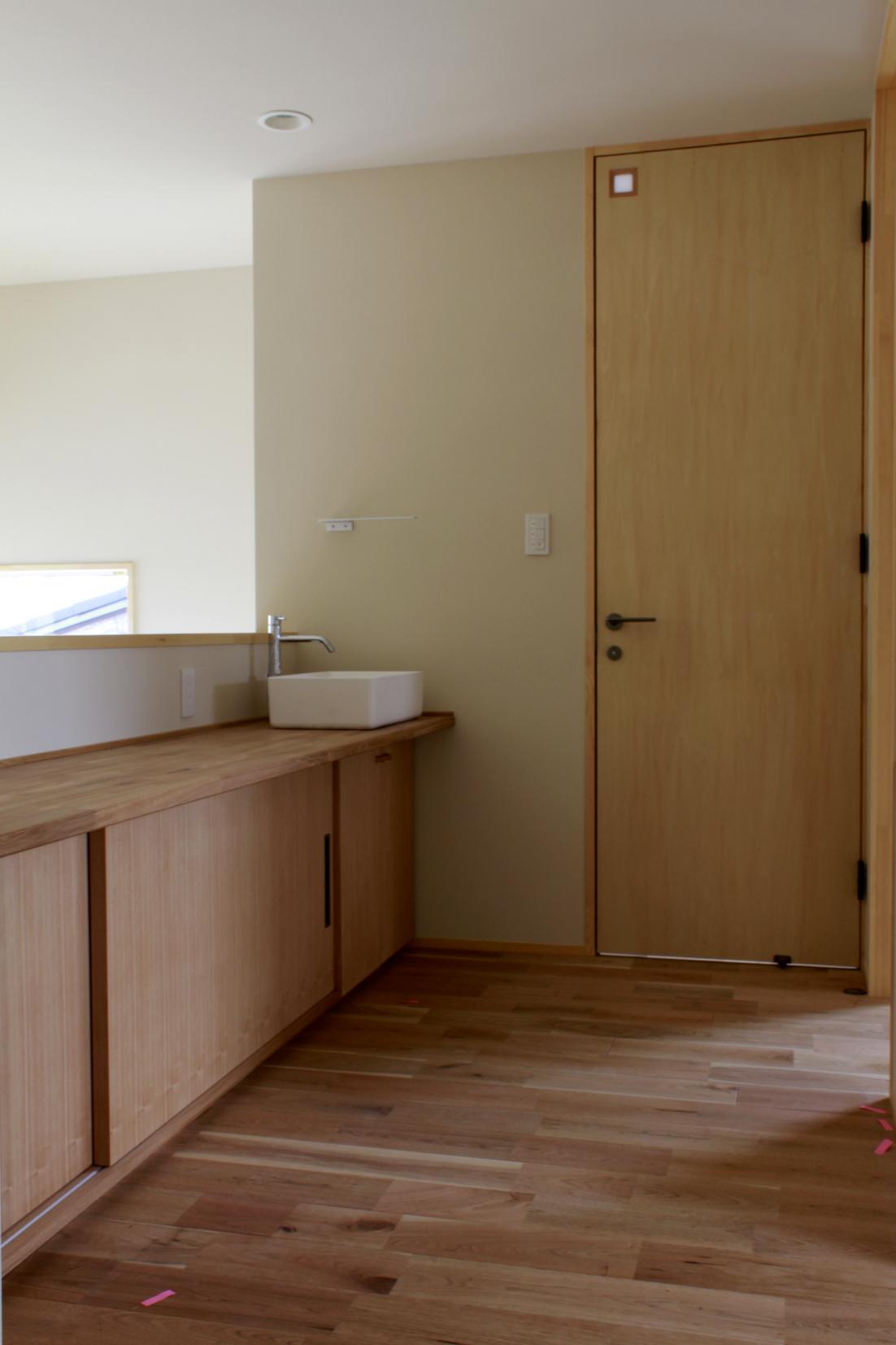 新築家具 | 手洗いカウンター | 備え付け家具 | 山形・仙台を中心にオリジナル家具・オーダー家具、インテリアのデザイン・製作・納品をおこなっています。おしゃれ。