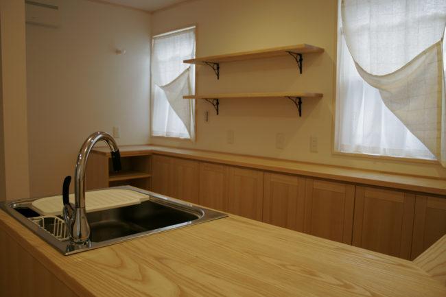 オーダーキッチン | オーダーメイド家具 | システムキッチン | 山形・仙台を中心にオリジナル家具・オーダー家具、インテリアのデザイン・製作・納品をおこなっています。おしゃれ。