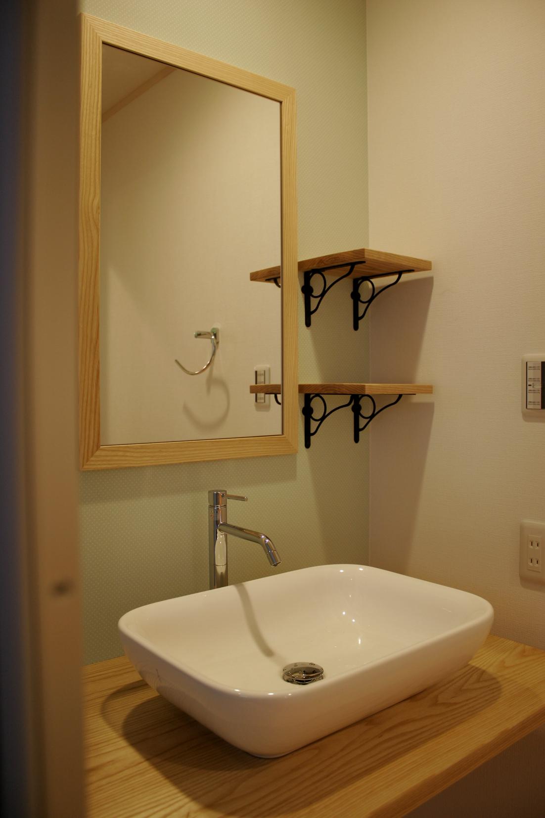 手洗いカウンター | オーダーメイド家具 | 新築家具 | 山形・仙台を中心にオリジナル家具・オーダー家具、インテリアのデザイン・製作・納品をおこなっています。おしゃれ。