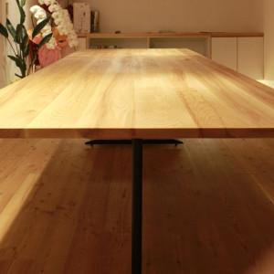 ミーティングテーブル | テーブル | 本棚 | 山形・仙台を中心にオリジナル家具・オーダー家具、インテリアのデザイン・製作・納品をおこなっています。おしゃれ。