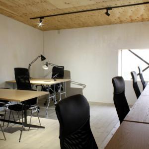 リノベーション | ミーティングテーブル | テーブル | とんがりビル | 山形・仙台を中心にオリジナル家具・オーダー家具、インテリアのデザイン・製作・納品をおこなっています。おしゃれ。