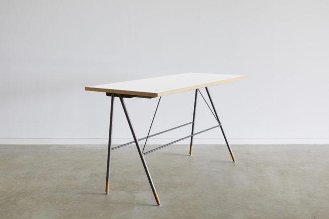 まなびあテラス | 展示台 | テーブル | 山形・仙台を中心にオリジナル家具・オーダー家具、インテリアのデザイン・製作・納品をおこなっています。おしゃれ。