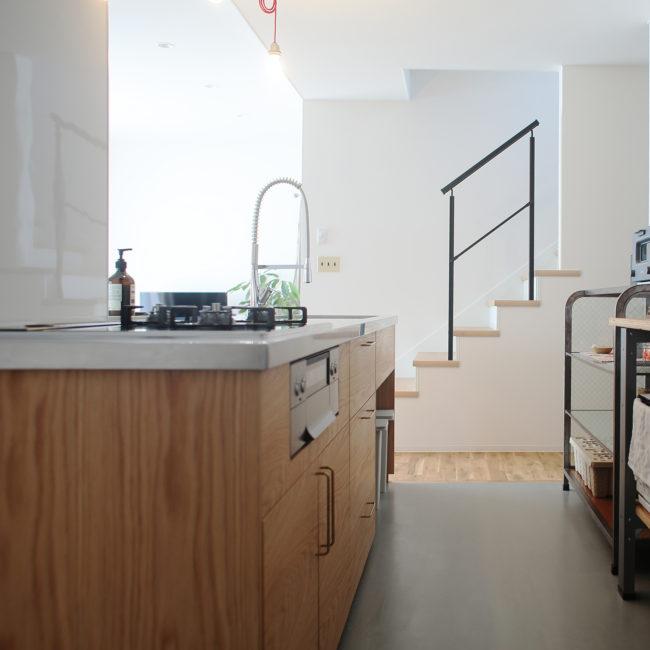 キッチン | オーダーキッチン | 特注家具 | 造作家具 | アームチェア | 椅子 | ダイニングテーブル | テーブル | 山形・仙台を中心にオリジナル家具・オーダー家具、インテリアのデザイン・製作・納品をおこなっています。おしゃれ。
